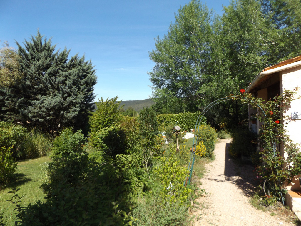 provence-centre-outside-terrasse-garden-2